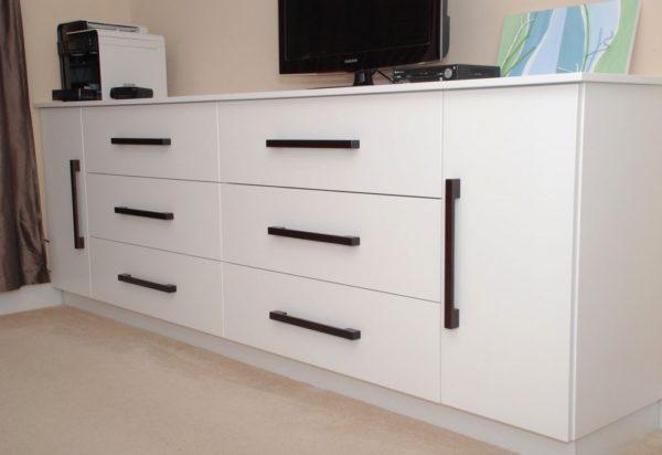 Bedroom Dresser/TV cabinet Unit